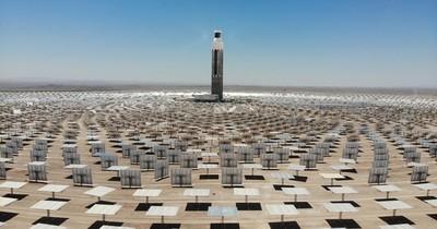La Nación / Cerro Dominador: Chile inaugura la primera planta termosolar
