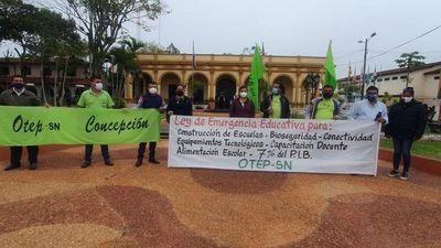 Docentes de OTEP reclaman kits  escolares  de Concepción
