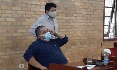 Intendente Hugo Benítez denunciado por estafa de 55.000 dólares, está chicaneando para quedar impune