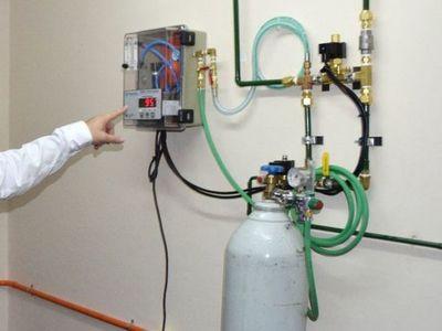 Ministerio de Salud reconoce crisis con oxígeno y prevé instalar 5 plantas en un mes