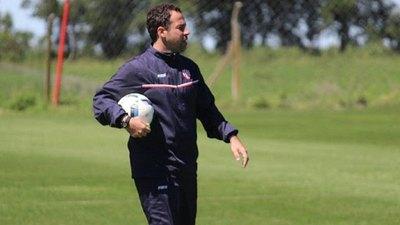 La peculiar presentación del nuevo entrenador de Sol de América