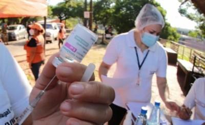 Anuncian que la próxima semana se bajará franja etaria para vacunación