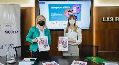 Lanzan guía de alfabetización digital para mujeres adultas