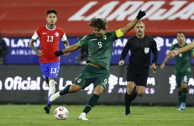 Critican desempeño de árbitro paraguayo en el partido Chile-Bolivia