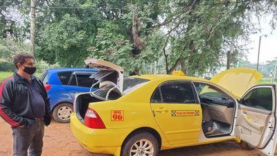 Delincuentes meten a taxista en la valijera y roban su vehículo