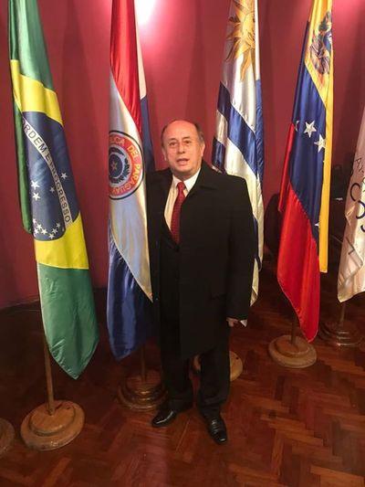 """Parlasur dilata expulsión del """"vacunado VIP"""" Celso Troche"""