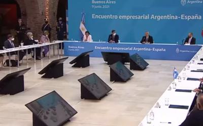 """Los periódicos hicieron hincapié en las acusaciones de """"racismo"""" contra el presidente argentino"""
