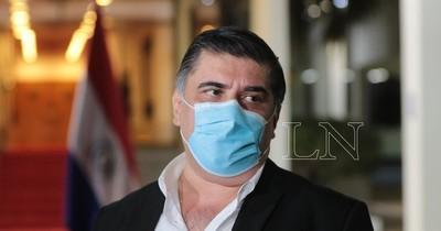 La Nación / Borba: El Gobierno pide al Brasil 700 toneladas de oxígeno semanal