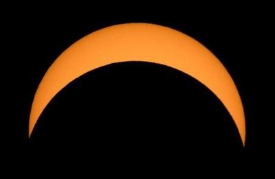 La espectacular imagen del eclipse solar anular en el hemisferio norte (VIDEO)