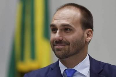 Hijo de Bolsonaro dice que el «único barco que se hunde es el de Argentina»