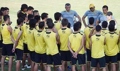 Guaraní confirmará a Jubero, pero sin el entrenador presente