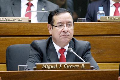 Diputado Miguel Cuevas suspende por séptima vez audiencia preliminar que solo debía ser de forma telemática