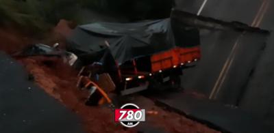 Rescatan cuerpo sin vida de la mujer desaparecida tras la caída del puente en Tacuatí