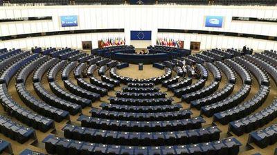 El parlamento europeo pidió suspender las patentes de las vacunas para que lleguen a los países más pobres