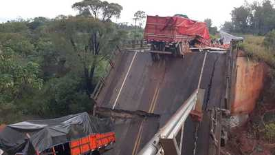 """Puente que colapsó """"no corresponden a los manuales de carreteras"""", dicen desde MOPC"""