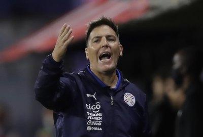'Toto' Berizzo; una sola victoria en partidos oficiales con la Albirroja