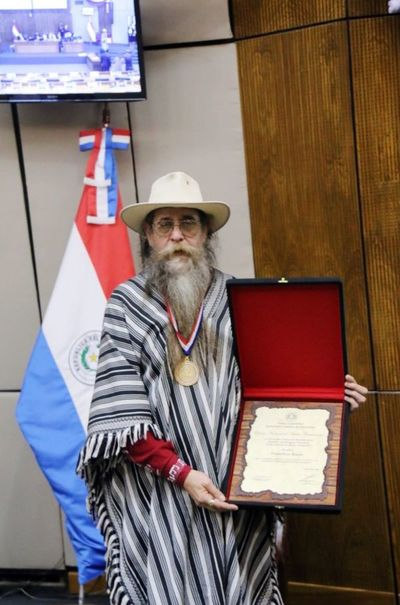 Francisco Russo recibió distinción