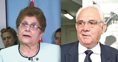 La Nación / Fijan audiencia preliminar para Noyme Yore y Yiyo Fatecha, acusados por lesión de confianza