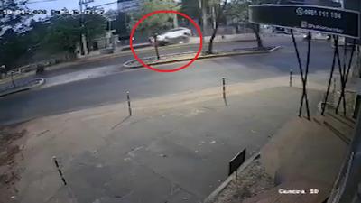 Fiscalía acusa y pide juicio para conductora que atropelló y mató a una mujer