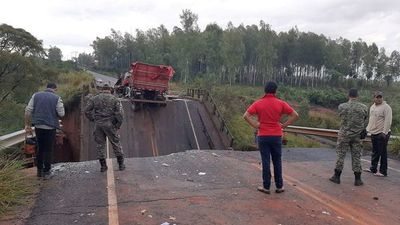 Pankow vaticina que caída de puente terminará en la nada y incluso caerán más