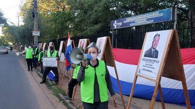 """Mostrarán las """"caras de la  corrupción"""" frente a Clínicas"""