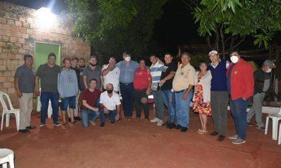 """""""Tiki"""" visita a vecinos del barrio Fátima, y se reúne con taxistas de Tres Fronteras – Diario TNPRESS"""