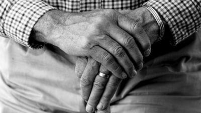 Abuelito fue abandonado por sus familiares en Fernando de la Mora – Prensa 5
