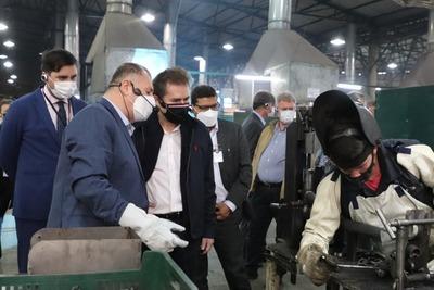 Autoridades del MIC visitan planta industrial ensambladora de motocicletas, en Luque