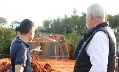 Visita, destitución y auditoría, tras fatal desplome de puente