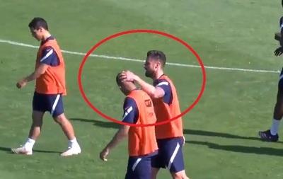 El gesto de cariño de Giroud hacia Mbappé luego de la polémica