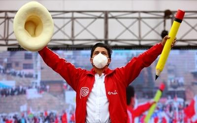Aún no hay ganador oficial de elecciones presidenciales en el Perú