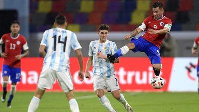Argentina da de baja a Alario y cita a Julián Álvarez