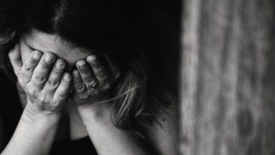 Denuncian que un prestamista ejerce violencia sobre una mujer para que le pague una deuda