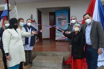 Gobernador inauguró Unidad de Salud Familiar en Villarrica