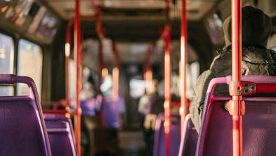 Otorgan permiso a vehículos especiales para prestar servicios de transporte público durante el paro
