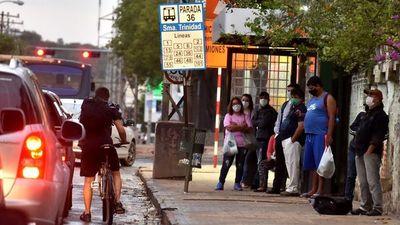 Gobierno no logra destrabar paro de transportistas y libera itinerarios