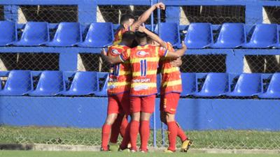 Los goles de la victoria de Cristóbal Colón 3-0 sobre Pilcomayo