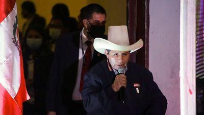 Perú cumple cinco días sin conocer al ganador del balotaje