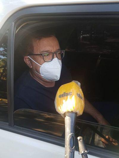 Ante larga fila, Duarte Frutos pidió que vacunatorios sean habilitados más temprano o 24 horas y baños portátiles para personas que acuden a inmunizarse