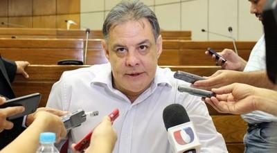 """Negociaciones por la mesa directiva del Senado no van """"para adelante ni para atrás"""", dice Richer"""