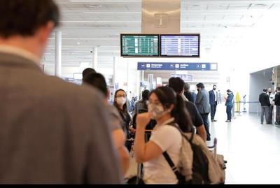 Por miedo a variante Delta: Argentina limita sus vuelos