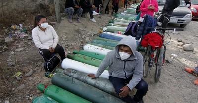 La Nación / Bolivia: odisea por una bocanada de aire en una ciudad asfixiada por el COVID