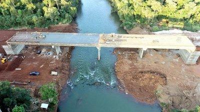 Instruyen revisión de puentes que forman parte de obras en ejecución