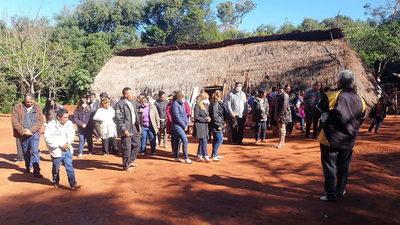 Nativos Pai Tabyterá rezaron por libertad de Óscar Denis