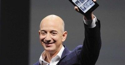 La Nación / Viaje al espacio con Jeff Bezos vendido por 28 millones de dólares