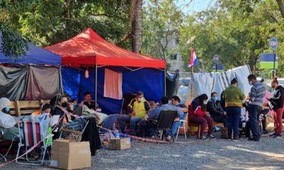 Contención, solidaridad y exigencia de derechos para familiares de enfermos Covid