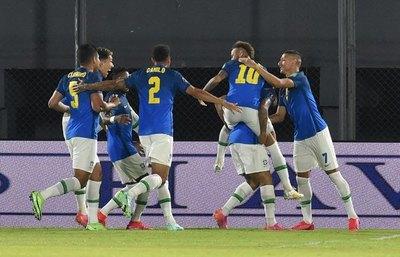 Brasil, ante una diezmada Venezuela en el arranque de la Copa América