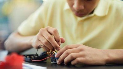Espacios de Ser propone que conocimientos de robótica lleguen a niños de todo el país