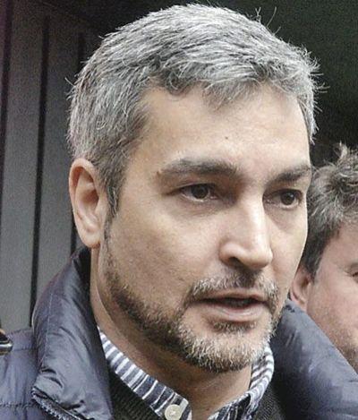 """Abdo decide si viola la Constitución con polémica ley de """"autobandidaje"""""""