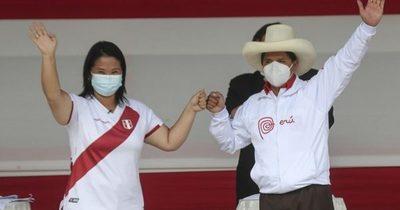 Justicia electoral peruana aún no confirmó quién será el próximo presidente de Perú